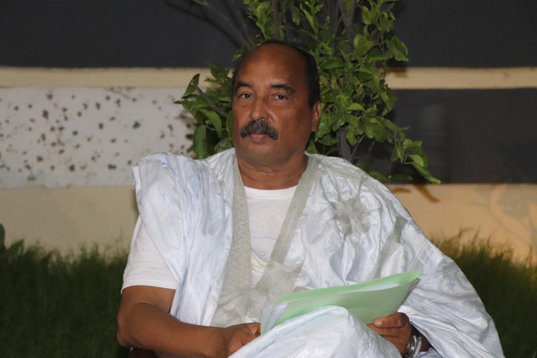 الرئيس الموريتاني السابق محمد ولد عبد العزيز خلال مؤتمر صحفي سابق (الأخبار - أرشيف)