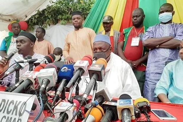 الإمام محمود ديكو: قائد حراك 5 يونيو في مالي خلال مؤتمر صحفي سابق