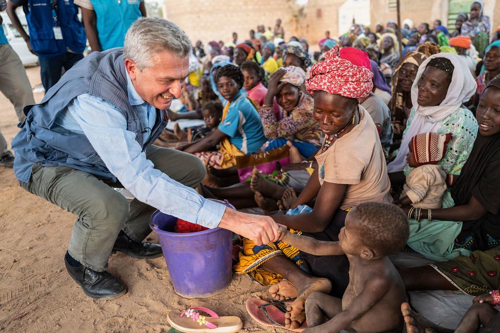 فيليبو غراندي: المفوض السامي للأمم المتحدة لشؤون اللاجئين لدى زيارته أحد مخيمات اللاجئين في بوركينافاسو