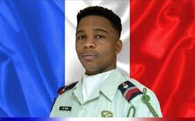 أندي فيلا: الجندي الفرنسي القتيل