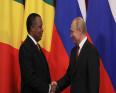 الرئيس الروسي فلاديمير بوتين ورئيس الكونغو برازفيل دنيس ساسو نغيسو