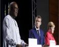 المستشارة الألمانية أنجيلا ميركل والرئيس الفرنسي إيمانويل ماكرون ورئيس بوركينافاسو روك مارك كريستيان كابوري