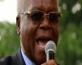 إغناشيوس تشومبو وزير المالية السابق في زيمبابوي.
