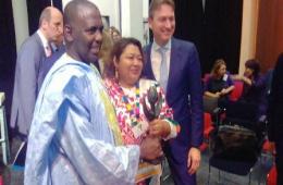 رئيس حركة إيرا مع وزير الخارجية الهولندي خلال اللقاء (الأخبار)