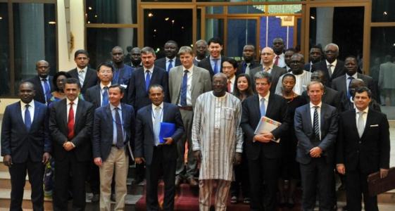 السفراء الأمميون مع رئيس بوركينافاسو روك مارك اكريستيان كابوري.