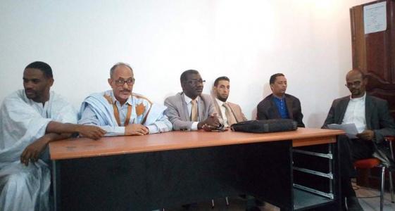 هيئة الدفاع خلال المؤتمر الصحفي