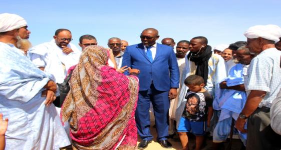 """الزعيم الرئيس للمعارضة الديمقراطية بموريتانيا إبراهيم ولد البكاي خلال لقائه مع سكان """"الجيب 10"""""""