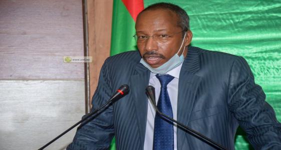 وزير العدل حيموده ولد رمظان خلال مؤتمر صحفي سابق (الأخبار - أرشيف)