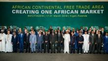 القادة الأفارقة الموقعون على اتفاقية التبادل الحر القارية الإفريقية خلال قمة كيغالي الاستثنائية.