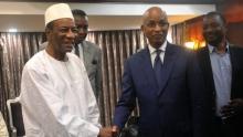 الرئيس الغيني ألفا كوندي وزعيم المعارضة سيلو دالين جالو.
