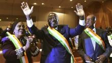 جانوت ٱهوسو كواديو الوزير الإيفواري المكلف بالحوار السياسي المنتخب رئيسا لمجلس الشيوخ.