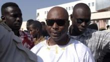 البرلماني بارتيليمي لدى مغادرته محكمة داكار فاتح سبتمبر 2016.