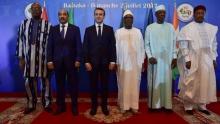قادة مجموعة دول الساحل والرئيس الفرنسي خلال قمة للمجموعة بمالي.