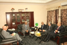 المسؤول الإيطالي خلال لقائه مع وزير العدل الموريتاني اليوم الخميس (وما)