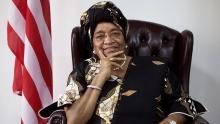 إيلين جونسون سيرليف رئيسة ليبيريا منتهية الولاية.