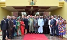 الوفدان المغربي والغاني على هامش توقيع الاتفاقيات بآكرا.
