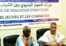 عمدة توجنين سيد محمد ولد خيده (يمين) خلال كلمته في افتتاح النشاط