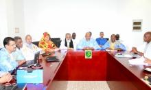 لجنة متابعة نتائج الحوار السياسي خلال اجتماعها تحت رئاسة ولد محمد خونه (وما)