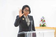 روز كريستيان أوسوكا رابوندا: وزيرة الدفاع الجديدة بالغابون.