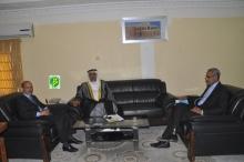 السفير الإماراتي في مكتب وزير التهذيب بنواكشوط (وما)