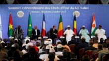 قادة مجموعة دول الساحل والرئيس الفرنسي خلال قمة باماكو.