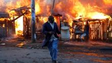 جانب من اجدد أعمال العنف بكينيا في اليوم الأول بعد الانتخابات.
