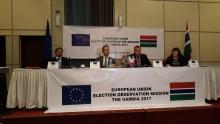 بعضة الاتحاد الأوروبي لمراقبة الانتخابات التشريعية الغامبية خلال مؤتمر صحفي ببانجول.