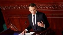 الرئيس الفرنسي إيمانويل ماكرون خلال خطابه أمام البرلمان التونسي.