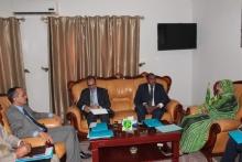 وزيرة الزراعة لمينة بنت امم خلال اجتماعها مع وفد المنظمة العربية للتنمية الزراعية في مكتبها بنواكشوط اليوم (وما)