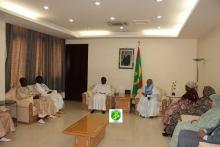 الوفد الحكومي السنغالي خلال لقائه الوزير الأول ظهر الأحد في مكتبه بنواكشوط (وما)