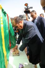 الرئيس الموريتاني محمد ولد عبد العزيز خلال وضع حجر أساس المشروع (وما)