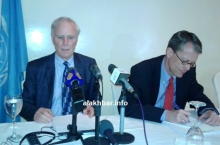 مقرر الأمم المتحدة الخاص بالفقر المدقع وحقوق الإنسان فليب آلستون في مؤتمر صحفي خلال زيارته الأخيرة لموريتانيا (الأخبار)
