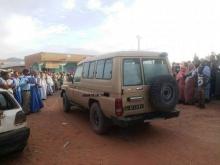 سيارة إسعاف تولت نقل جثمان ولد محمد فال من المستشفى إلى مطار الزويرات (الأخبار)