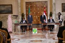 الرئيسان الموريتاني والمصري خلال إشرافهما على توقيع اتفاقيات التعاون 03 - 04 - 2016 في القاهرة (وما)