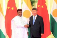 الرئيسان الصيني شي جين بينغ والنيجري محمدو إسوفو