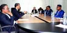 المبعوث الأممي محمد ابن شامباس خلال لقائه مع الزعيم الرئيس للمعارضة في موريتانيا الحسن ولد محمد