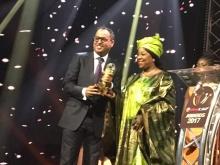 رئيس الاتحادية الموريتانية لكرة القدم أحمد ولد يحيى يتسلم الجائزة