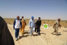 ولد عبد العزيز خلال زيارة سابقة له لمكب قمامة خارج نواكشوط (وما)