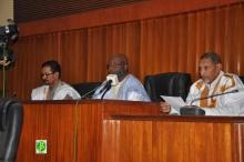 مكتب مجلس الشيوخ خلال المصادقة على تشكلة لجنة التحقيق (وما)