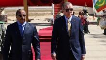 الرئيسان الموريتاني والتركي في مطار نواكشوط ظهر اليوم