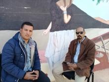 مدير المسرح بوزارة الثقافة الصحراوية محمد غالي الداح خلال لقائه مع مراسل الأخبار