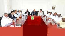 لجنة متابعة نتائج الحوار السياسي خلال اجتماعها اليوم الجمعة تحت رئاسة ولد محمد خونه (وما)