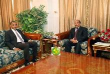الوزير الأول محمد سالم ولد البشير رفقة الرئيس محمد ولد عبد العزيز ـ (AMI)