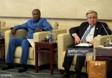 الأمين العام للأمم المتحدة أنتونيو غوتيريش ورئيس الاتحاد الإفريقي منتهي الولاية ألفا كوندي.