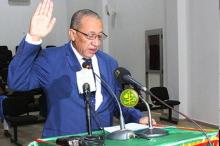 رئيس اللجنة الوطنية للمسابقات شيخنا ولد إدومو خلال أداء اليمين القانونية (وما)