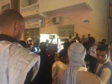 جانب من الوقفة الاحتجاجية المتضامنة مع قطر والمنظمة في محيط منزل سفيرها بنواكشوط