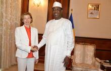 فلورنس بارلي وزيرة الجيوش الفرنسية، والرئيس اتشادي إدريس ديبي.