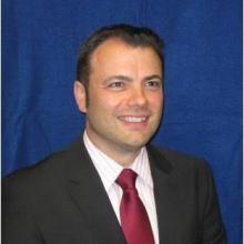 آدريان فيلدينغ: خبير اقتصادي واستراتيجي