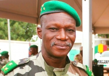 الجنرال ديديي داكو: قائد القوة المشتركة الإفريقية لمحاربة الإرهاب.