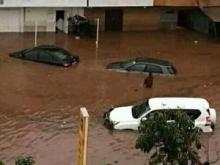 سيارات غارقة بأحد أحياء العاصمة المالية باماكو